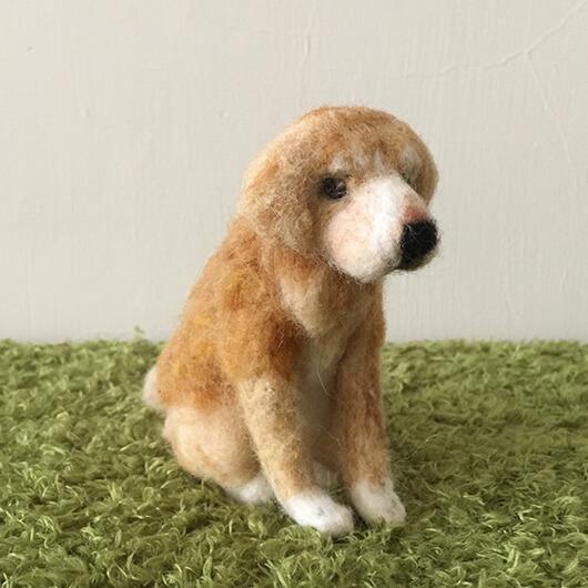 羊毛氈黃金獵犬擺飾