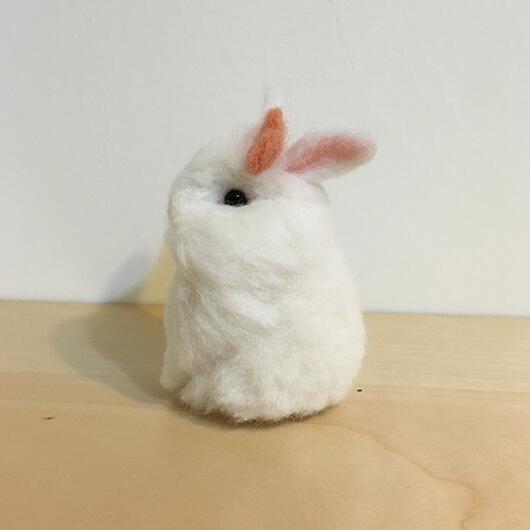 羊毛氈兔兔擺飾—蝴蝶結兔寶Beebo Liao-Felt Making