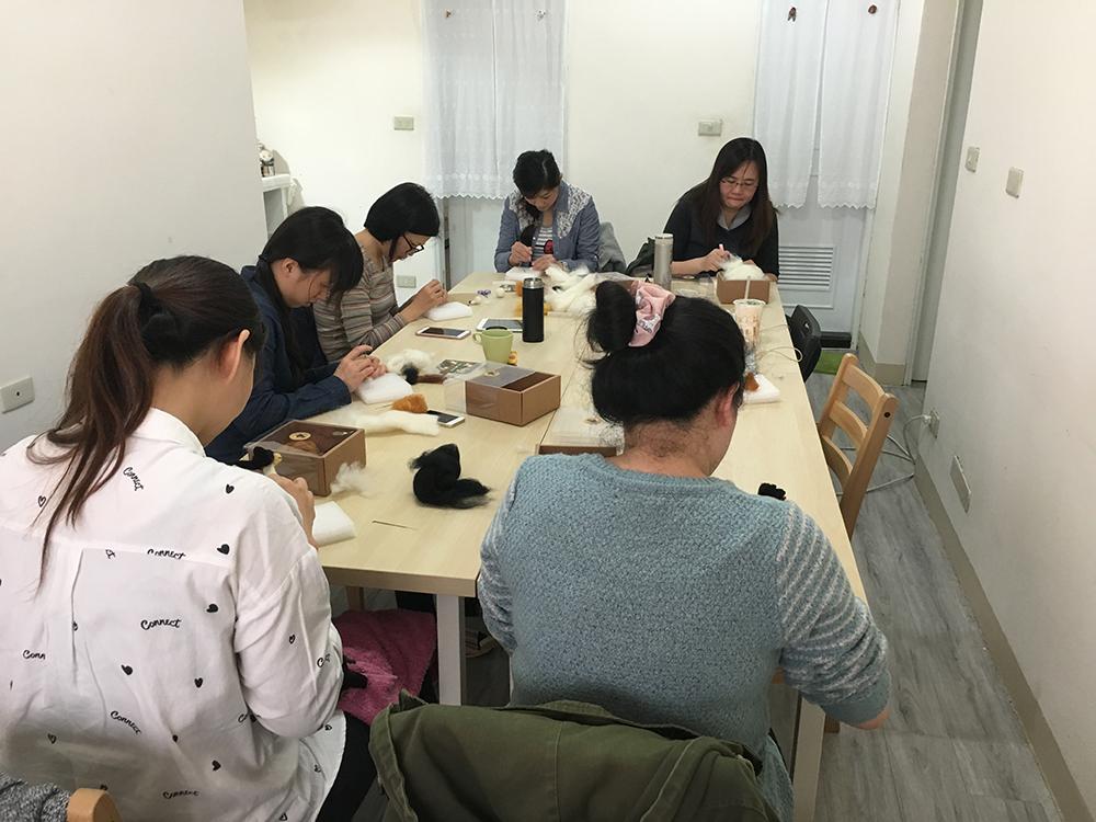 【羊毛氈教學花絮】2017第5週預約羊毛氈教學