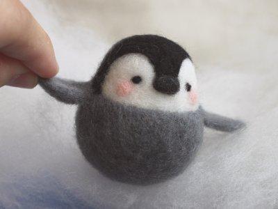 羊毛氈圓滾滾企鵝寶包